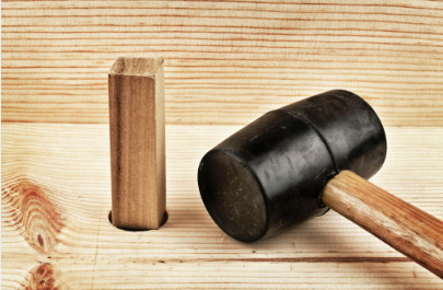 Title image of WOODEN PRODUCT SURFACE – WHAT IS THE DIFFERENCE BETWEEN VARNISH AND LACQUER FINISH?